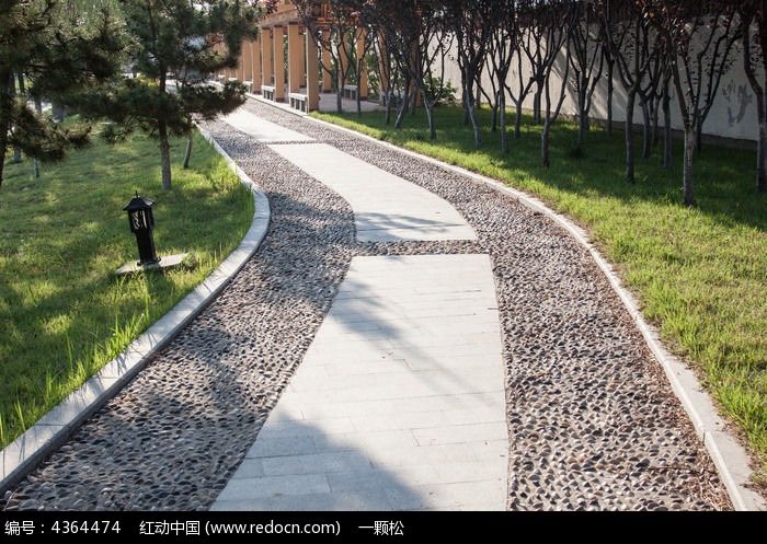鹅卵石健身小路图片
