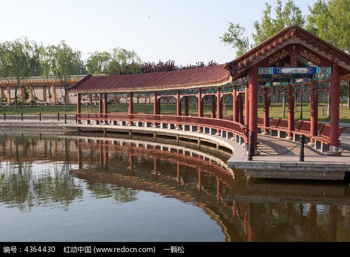 青岛流亭机场廊桥