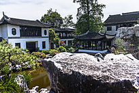 古松园的建筑与奇石景观