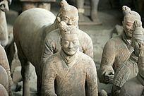 西安雕刻精细的兵马俑