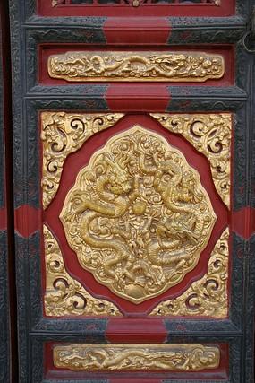故宫中和殿门檐金龙装饰