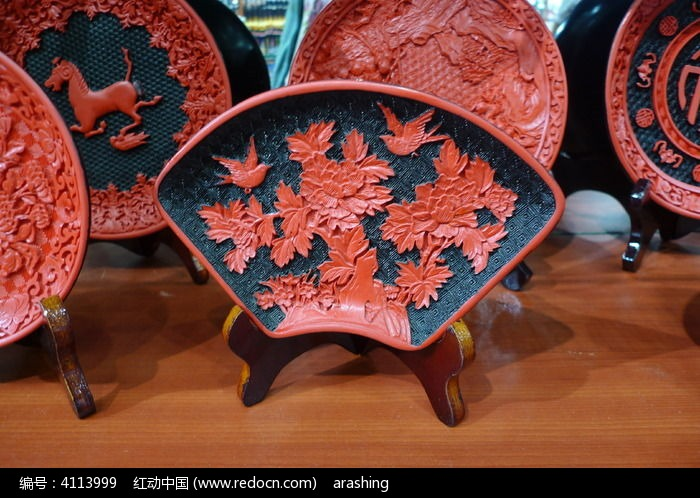 花鸟木盘雕刻图片