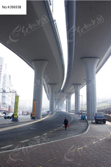 青岛的高架桥