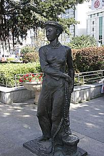 厦门少数民族人物雕塑