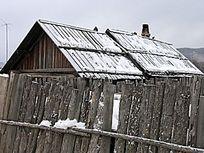 雪中的华俄后裔院落