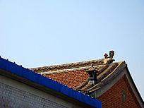 小镇屋顶的特色装饰