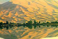 巴丹吉林沙湖