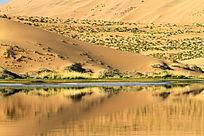 巴丹吉林沙湖奇观