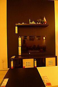 黑色电视墙