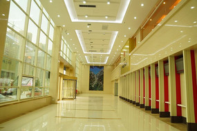 奢华的银行服务大厅