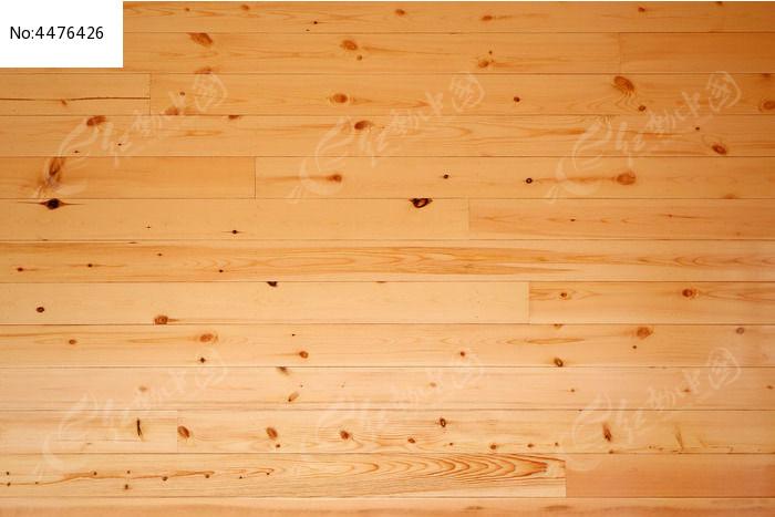 木板拼接的墙壁