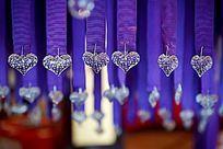 婚礼现场的心形水钻造型道具