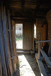 福建土楼的底楼杂物间