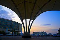 个性建筑物空间楼距晨辉风光