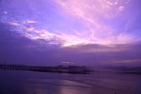 傍晚时分的汉江水面