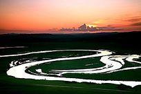 额尔古纳河的黄昏