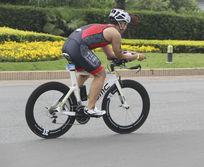 铁人自行车赛手
