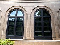 拱形窗户近摄图片