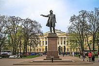 圣彼得堡俄罗斯文学研究所普希金故居前的雕塑