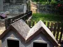 寺院里的卡通房子