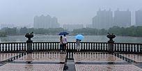 雨中城市风景