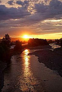 大兴安岭河流日落