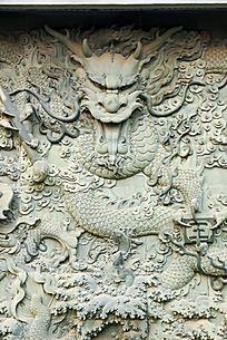 五龙戏水景观浮雕主体龙图案特写