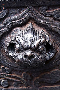 古董文物上的兽头