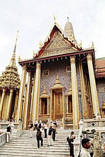 曼谷大王宫金壁辉煌的佛殿