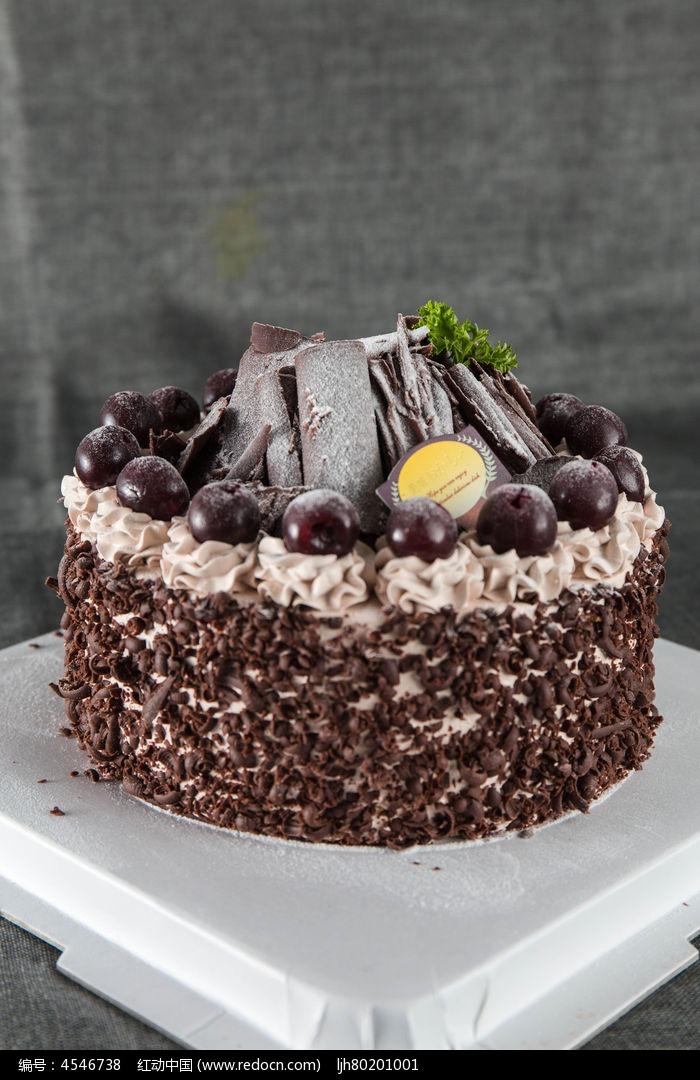 情迷樱桃黑森林蛋糕图片