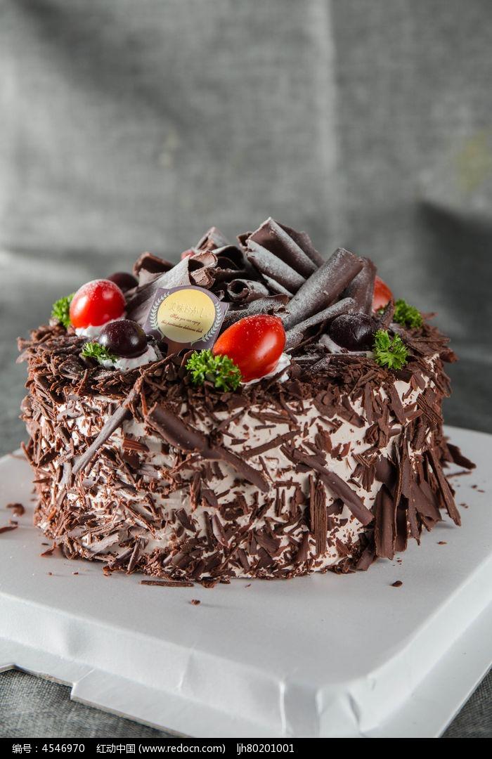 特级黑森林蛋糕图片
