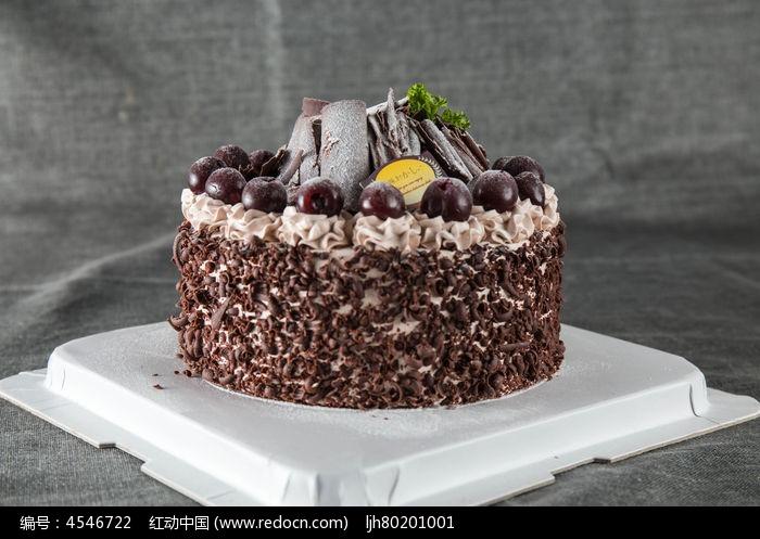 樱桃黑森林蛋糕图片