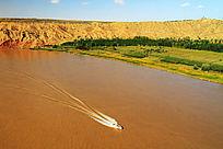 中卫沙坡头景区黄河漂流