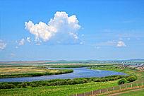 呼伦贝尔大草原牧场河湾