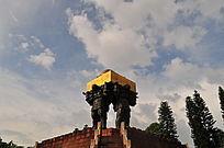 印证历史代表的铜像