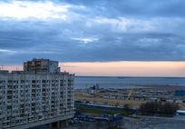 海边港口小城