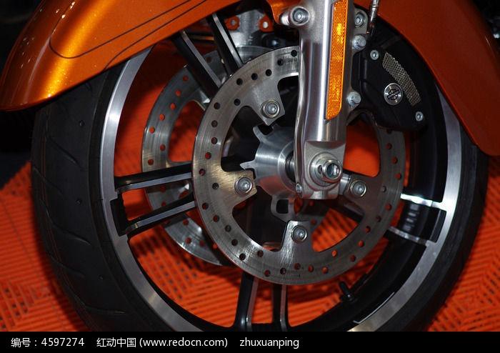 摩托车车轮特写图片