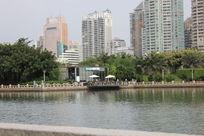 厦门筼筜湖旁边的建筑