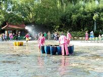 傣族泼水节表演