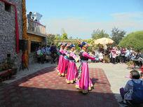 羌族歌舞表演