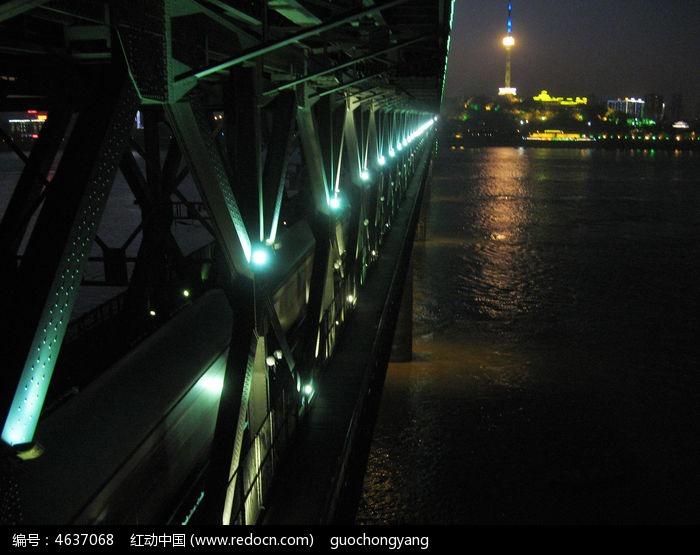 武汉长江大桥夜景与蛇山电视塔