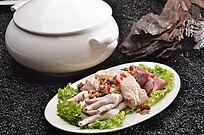 西洋参石斛炖全鸡
