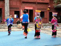 彝族跳芦笙