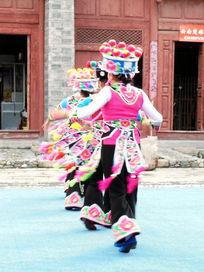 彝族左脚舞