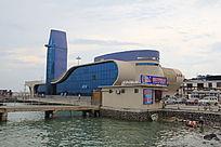 码头上的建筑物