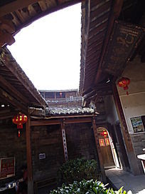 世界文化遗产福建土楼内的红灯笼