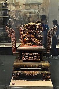 狮子木雕盒子