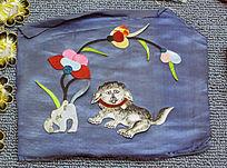 小狗图案满族刺绣