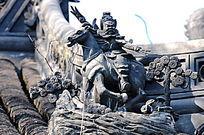 静安寺房顶的骑马雕像