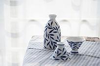 精美陶瓷酒具一套
